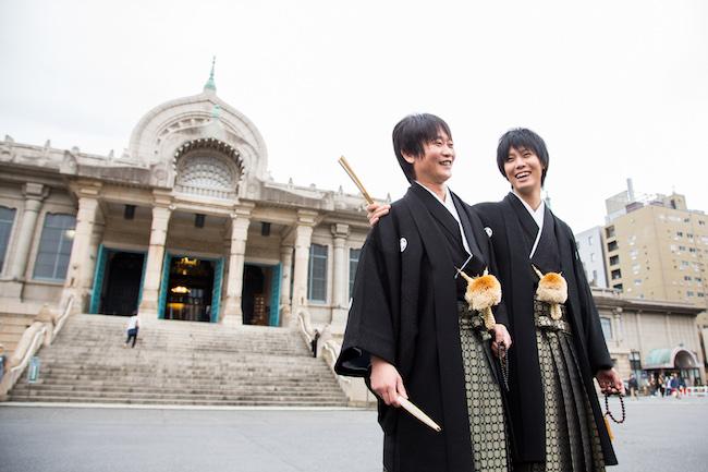 七崎良輔さんと夫・古川亮介さんの結婚式の様子。Photo:前田賢吾【L-CLIP】