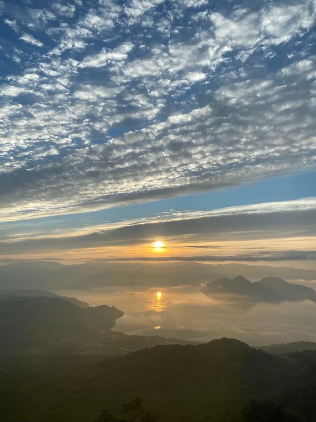洞爺湖/北海道「うろこ雲と夜明け」2020 SACRED SPACEより