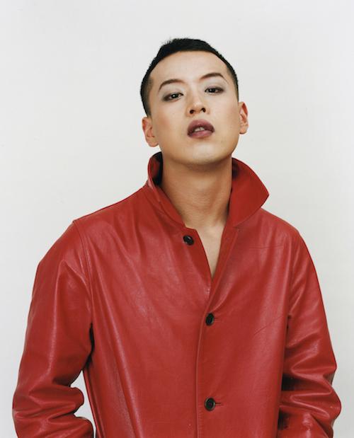 『赤い革のコートを着ている』2002 年 ©Ryudai Takano, Courtesy of Yumiko Chiba Associates