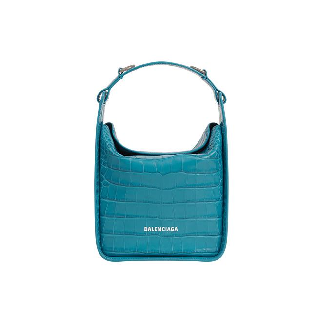 バッグ(参考カラー W17×H18×D9.5cm)¥169,400/Balenciaga(バレンシアガ クライアントサービス 0120-992-136)