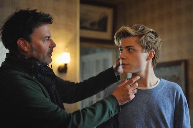 撮影メイキングより <左>フランソワ・オゾン監督 <右>今作でアレックス役を演じたフェリックス・ルフェーヴル
