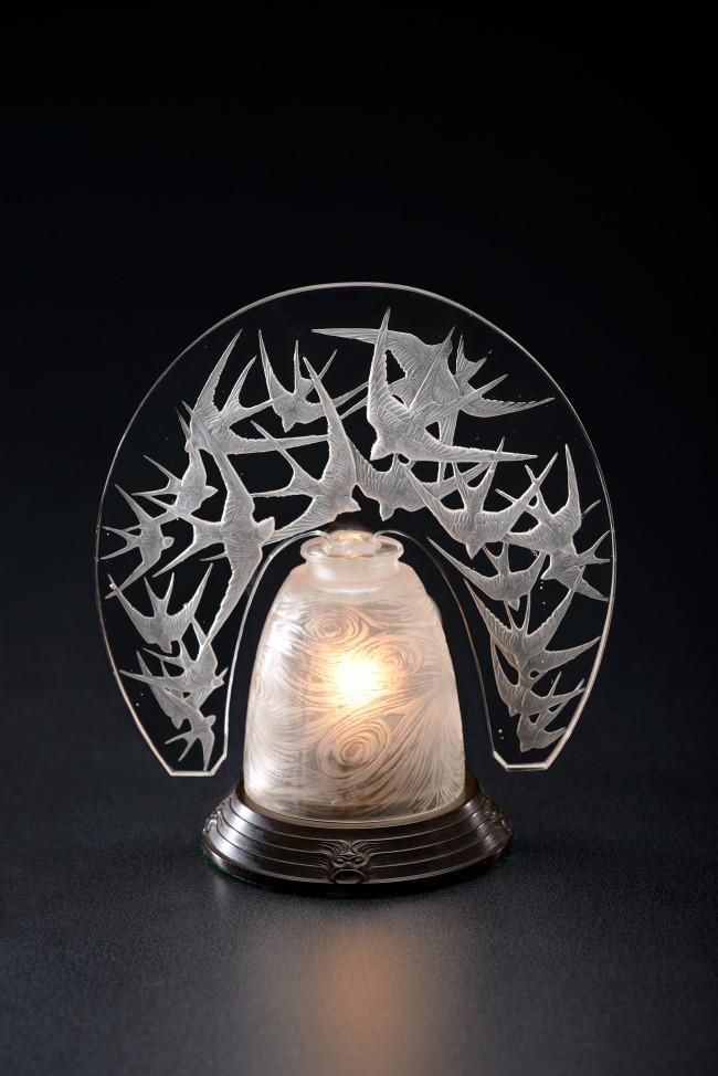 常夜灯《ツバメ》、ほや《つむじ風》1919年、ギャルリー オルフェ