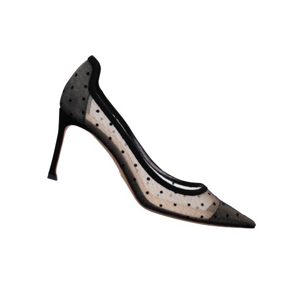 シアードットがセンシュアルに魅せる。ヒール8cm ¥102,300/Dior(クリスチャン ディオール 0120-02-1947)