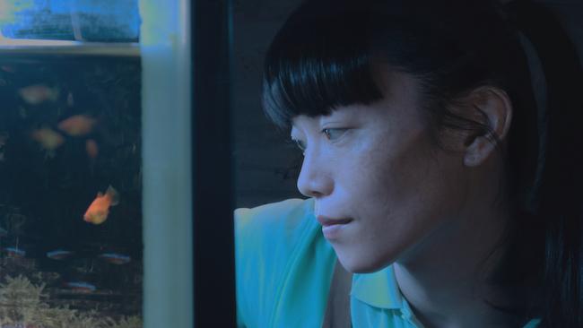 映画『片袖の魚』©2021みのむしフィルム