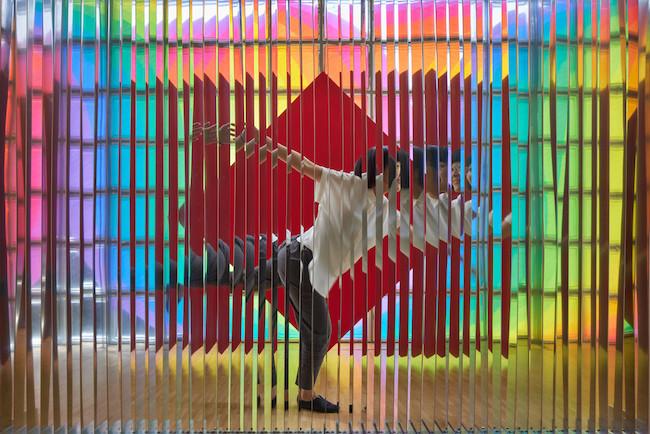『反射ブレード(刃板)』(1966-2005年)  ©Nacása & Partners Inc. / Courtesy of Fondation d'entreprise Hermès