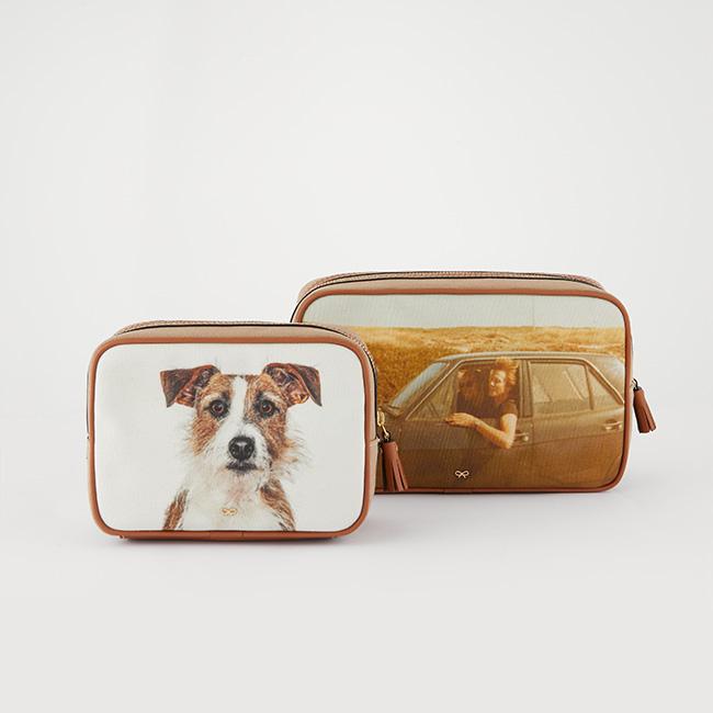 (左)Be A Bag Washbag Small(W17xH11xD7cm)¥33,000(右)Be A Bag Washbag Large(W23xH14xD8cm)¥37,400
