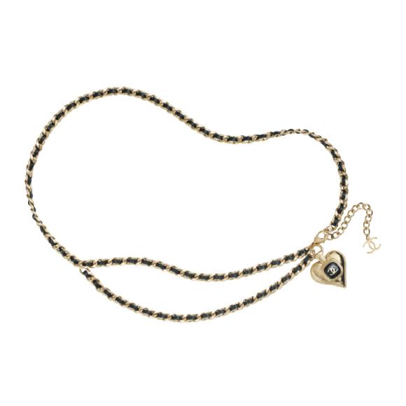 ベルト ¥179,300/Chanel(シャネル カスタマーケア 0120-525-519)