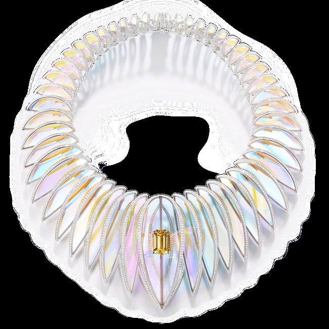 ネックレス(セイロン産 オクタゴナルカット イエローサファイア1石:20.21 ct×ホログラフィック ロック クリスタル×ダイヤモンド×ホワイトゴールド)¥71,280,000(予定価格)