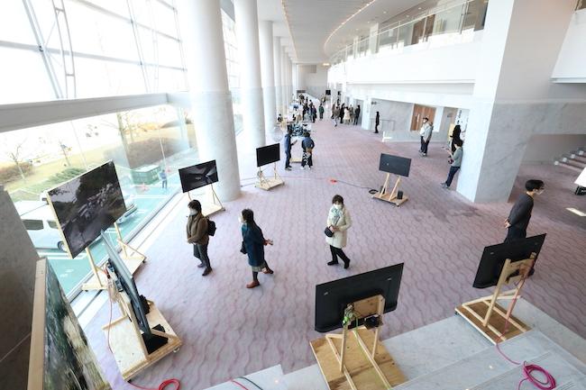 「びわ湖・アーティスツ・みんぐる2020」展示風景、2020年、Photo by Kai Maetani