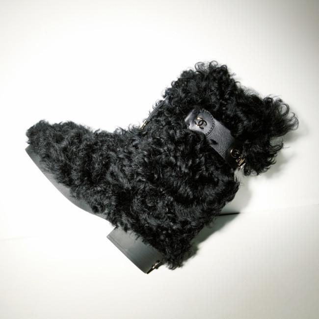ヒール4cm ¥246,400/Chanel(シャネル カスタマーケア 0120-525-519)