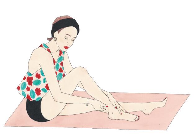 アキレス健からスネの骨の間を流すマッサージで、柔らかく保つべし。オイルなどを塗ってすべりのよい状態で。入浴中もOK。足首のストレッチも有効。