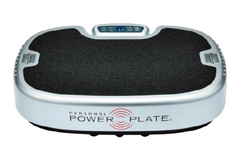 上下、左右、前後の3D振動で、効率よく筋肉を刺激。美脚筋トレツールとして最強! パーソナル パワープレート スタンダード ¥352,000/Power Plate(プロティア・ジャパン 0120-085-048)