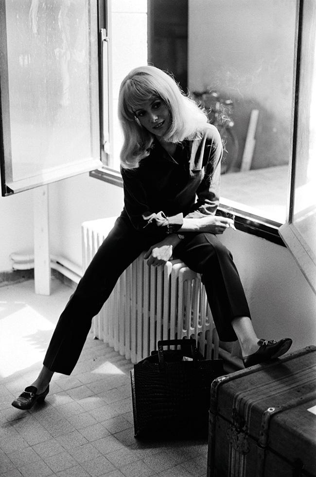 映画『ロシュフォールの恋人たち』の撮影現場でカトリーヌ・ドヌーヴが着用。Photo : Aflo