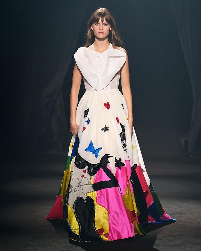 マリア・グラツィア・キウリが発表したドレス ©AZ-Factory