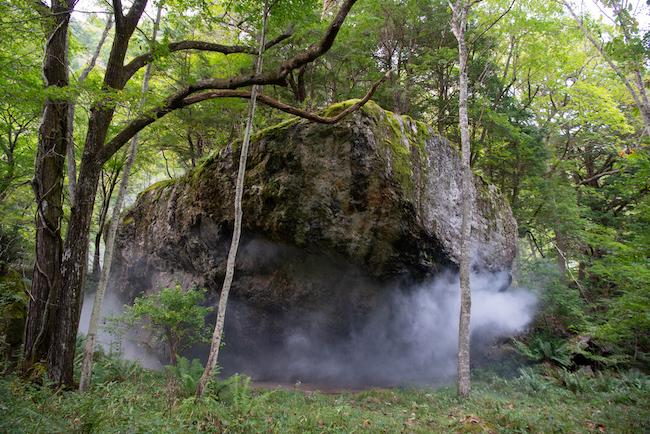 トム・ミュラー『源泉〈岩、川、起源、水、全長、緊張、間〉』