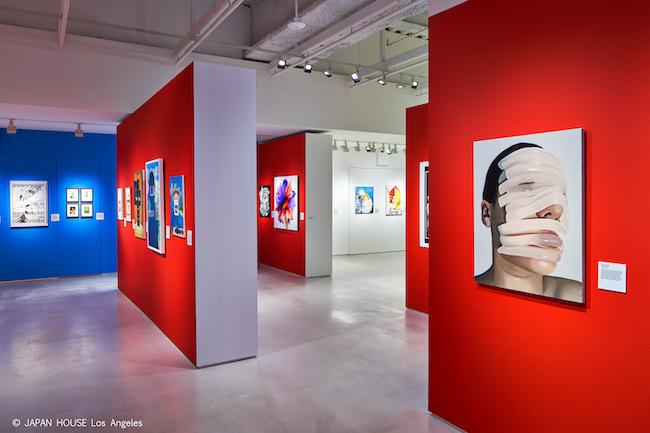 WAVE展ロサンゼルス会場の展示風景より。